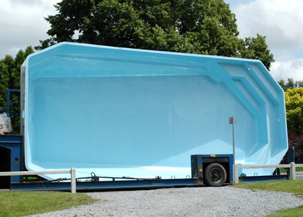 piscine coque en polyester